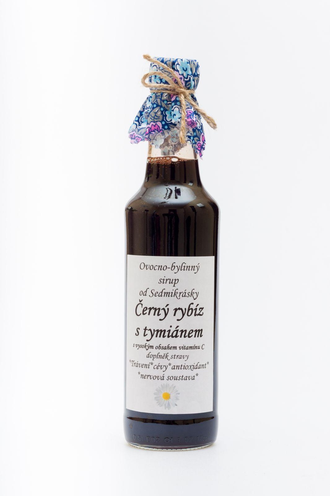 Sedmikráska ovocno-bylinný sirup Čierne rýbezle s tymiánom 500ml trávení, hubnutí, antioxidant, cévy, klouby, nervová soustava, doplněk stravy Rodinná farma Sedmikráska
