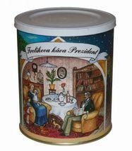 """Frolíková káva Prezident 250g mletá -Kvalita spočíva v tom, že sú tu použité výhradne kávy z Afriky, teda tomuto výrobku sa hovorí """"Africkej zlato"""". Chuť tejto kávy ocenia predovšetkým skutoční znalci káv. Jan Frolík - Pražírna kávy"""